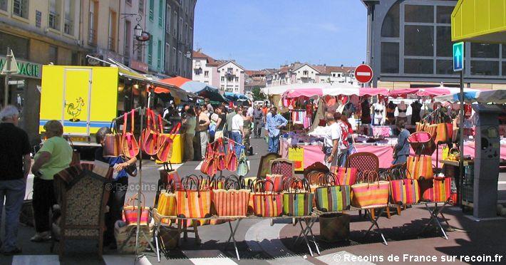 Le marché chaque mercredi et samedi