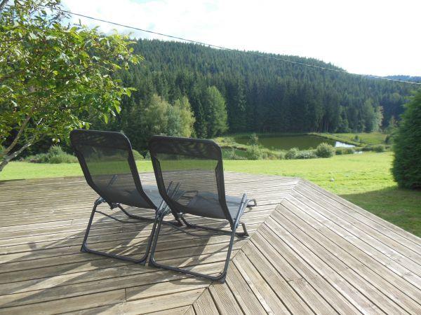 Vue depuis la terrasse sur les étangs
